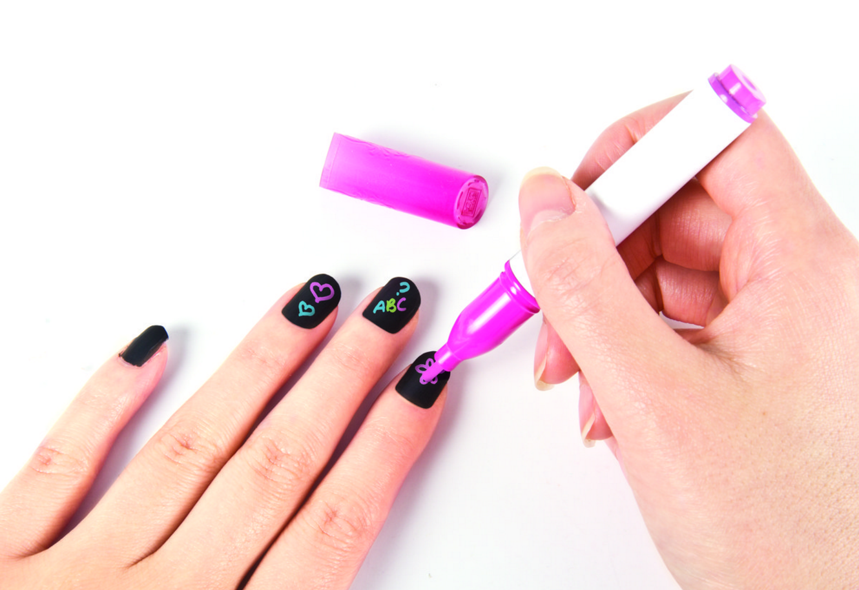 krijtbord nagels nagellak krijt schoolbord