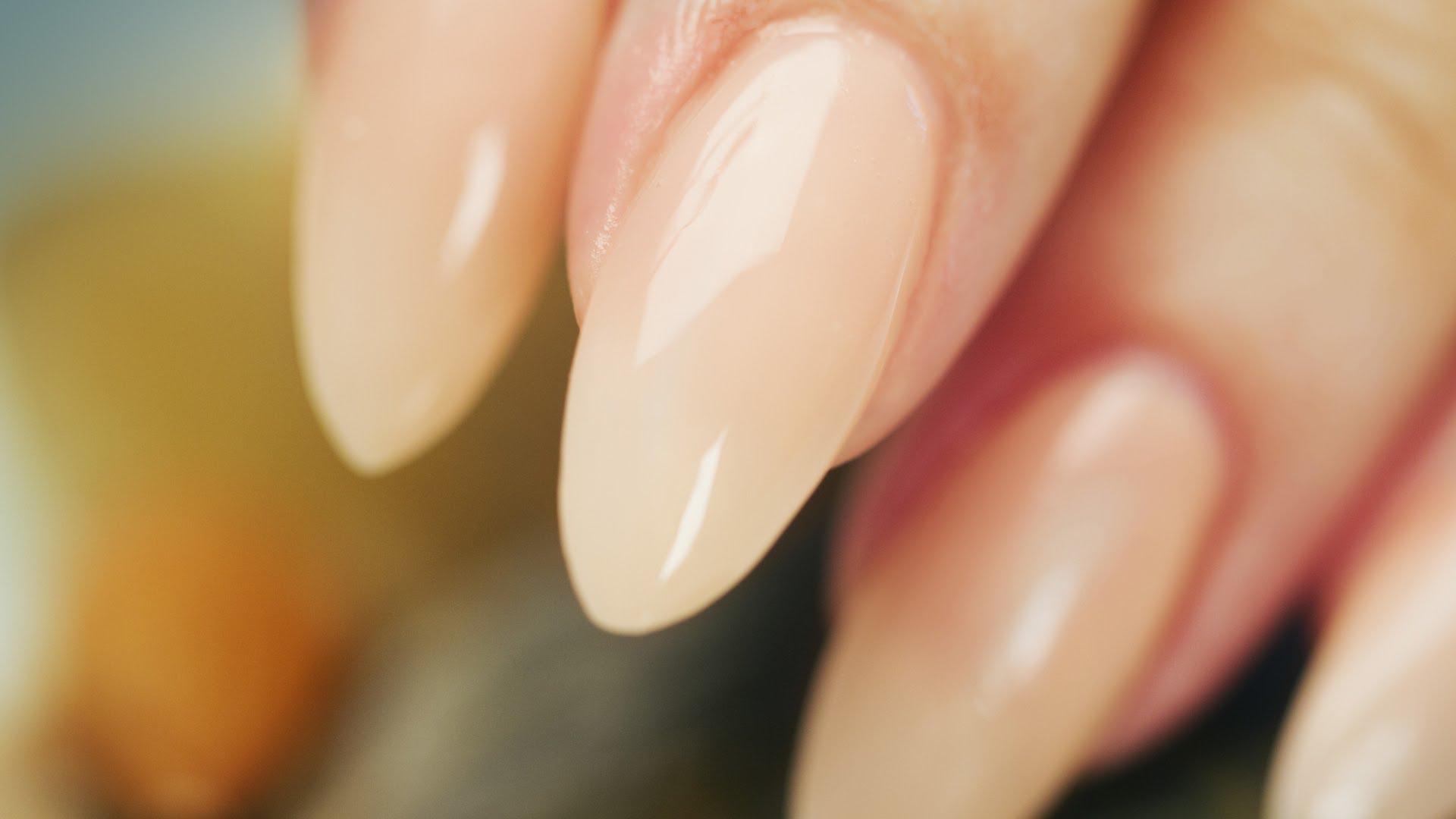 amandel nagels nude